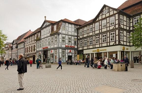 Geschenke kaufen in Hameln: Regional kaufen, statt online bestellen