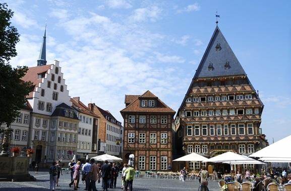 Geschenke kaufen in Hildesheim: Regional kaufen, statt online bestellen