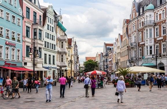 Geschenke kaufen in Rostock: Regional kaufen, statt online bestellen