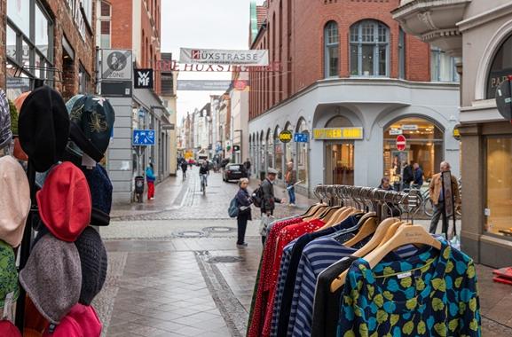 Geschenke kaufen in Lübeck: Überall in Lübeck lassen sich Geschenke finden