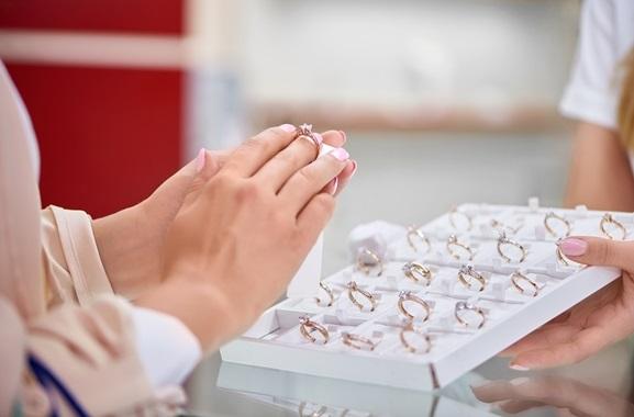 Besondere Geschenkideen aus Celle: Freude schenken mit Bijou Brigitte