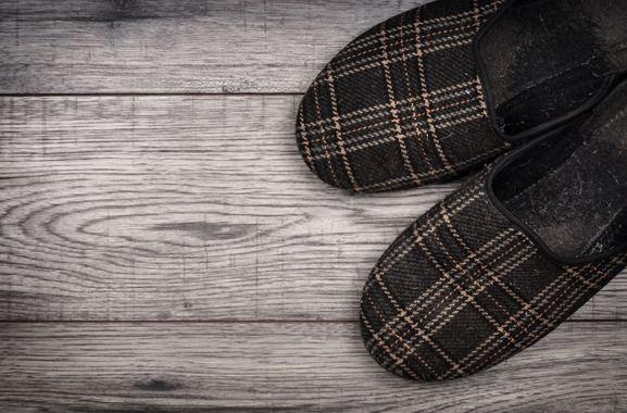 Besondere Geschenkideen aus Fürth: Hausschuhe für Herren