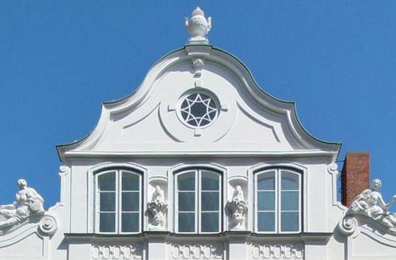 Besondere Geschenkideen aus Lübeck: Führung durch das Buddenbrookhaus