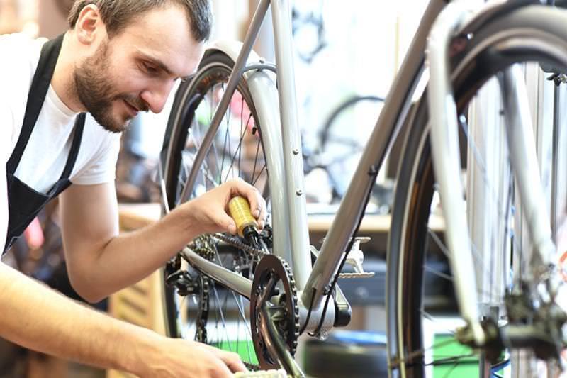 Besonderes Geschenk aus Jena: Praktische Fahrrad-Reparatur