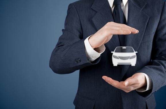 Besondere Geschenkideen aus Fürth: Autoversicherung für Fahranfänger