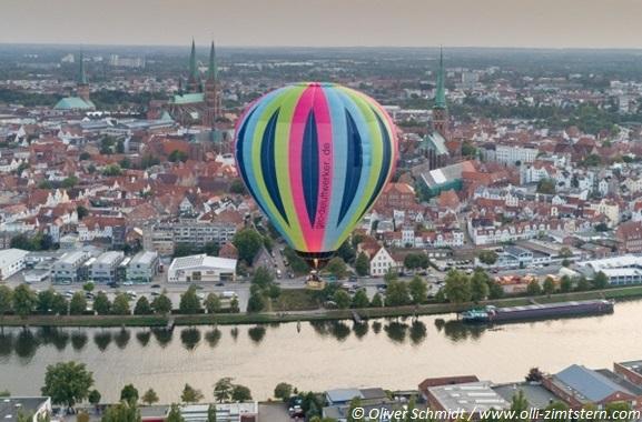 Besondere Geschenkideen aus Lübeck: Ballonfahrt in Lübeck