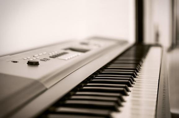 Besondere Geschenkideen aus Uelzen: E-Piano
