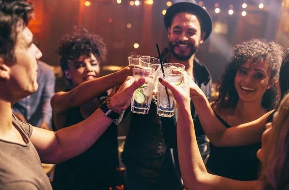 Besondere Geschenkideen aus Dortmund: Gemeinsamen Cocktailabend