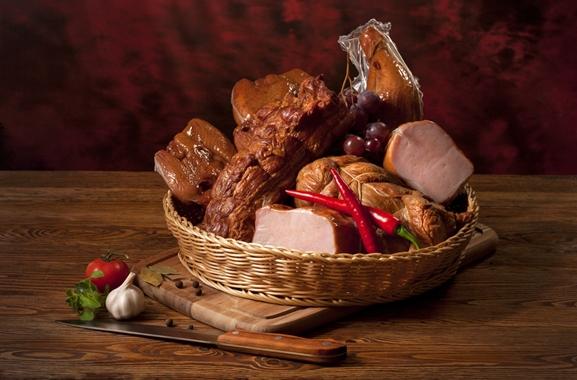 Besondere Geschenkideen aus Uelzen: Geschenkkorb mit Fleisch-Delikatessen