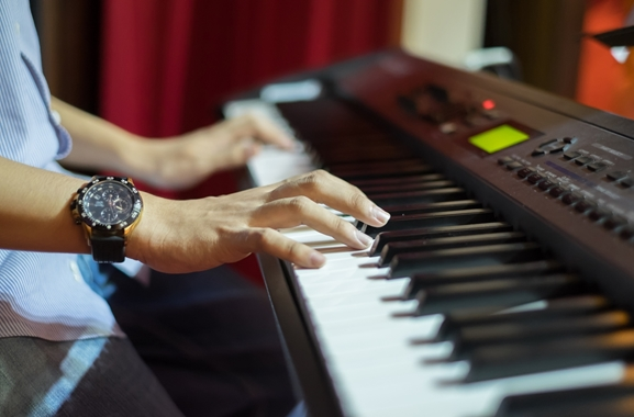 Besondere Geschenkideen aus Gifhorn: Keyboardunterricht
