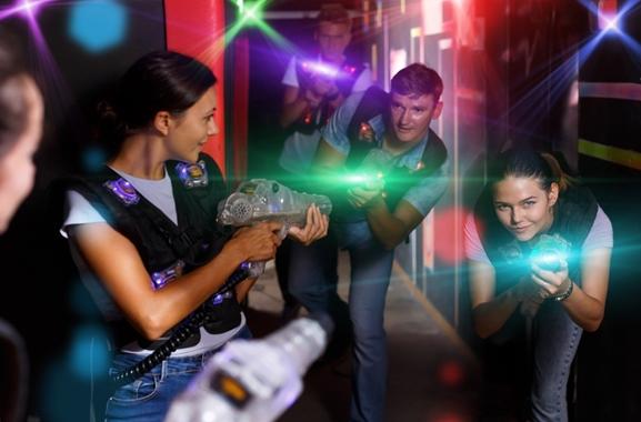 Besondere Geschenkideen aus Fürth: Lasertag-Abenteuer