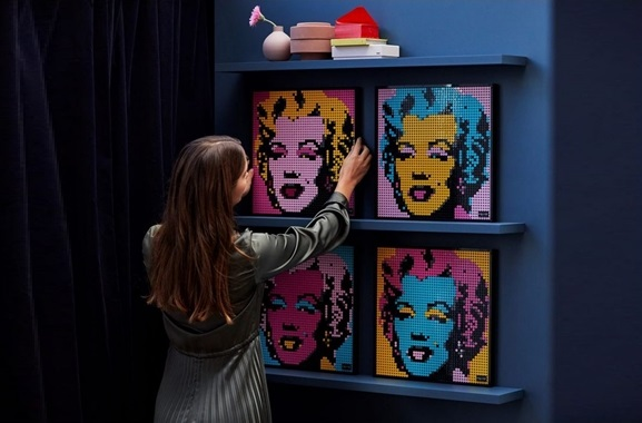 Besondere Geschenkideen aus Stuttgart: LEGO® Art Marilyn Monroe Kunstbild