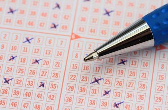 Besondere Geschenkideen aus Maxdorf: Ausgefüllten Lottoschein