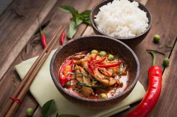 Besondere Geschenkideen aus Wuppertal: Asiatischen Kochkurs