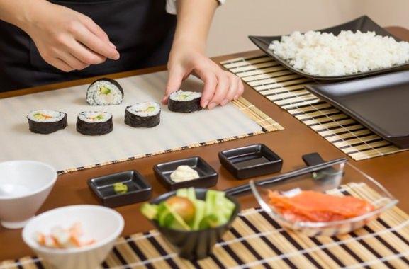 Besondere Geschenkideen aus Wuppertal: Sushi-Kochkurs