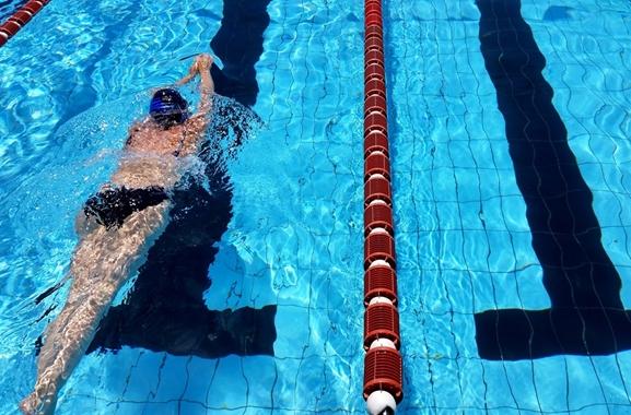 Besondere Geschenkideen aus Soltau: Schwimmkurs für Erwachsene