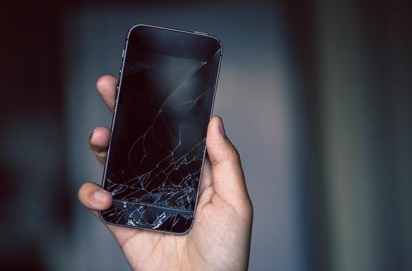 Besondere Geschenkideen aus Marburg: Smartphone-Display-Reparatur