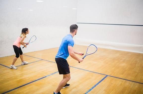 Besondere Geschenkideen aus Uelzen: Gemeinsames Squash-Erlebnis