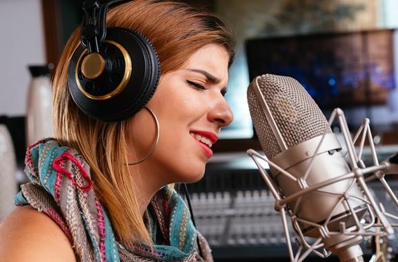 Hochwertige Geschenke für Männer und Frauen: Besuch im Tonstudio