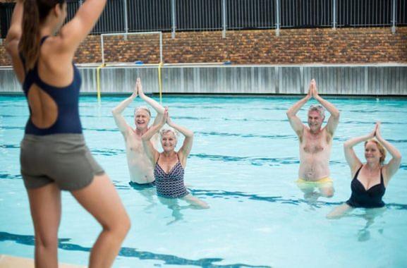 Besondere Geschenkideen aus Itzehoe: Wassergymnastik-Kurs