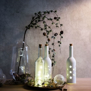Besondere Geschenkideen in Ihrer Nähe: Lichtobjekt Flasche mit Sternen