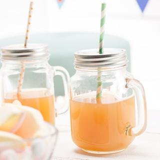 Besondere Geschenkideen in Ihrer Nähe: Trinkglas mit Deckel und Griff