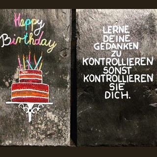 Besondere Geschenkideen aus Uelzen: Bemalte Upcycling-Schieferplatten