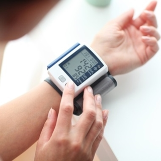 Besondere Geschenkideen aus Uelzen: Blutdruckmessgerät für's Handgelenk