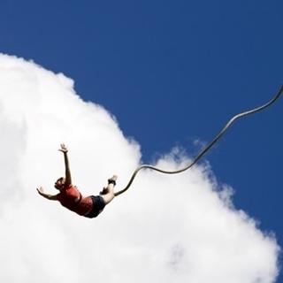 Besondere Geschenkideen aus Duisburg: Bungee-Jumping-Erlebnis