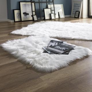 Besondere Geschenkideen aus der Region: Kunstfell-Teppich (60x90)
