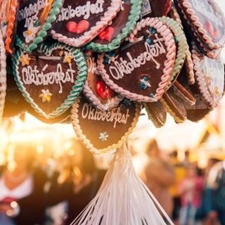 Besondere Geschenkideen aus Greifswald: Gemeinsamer Besuch des Oktoberfestes
