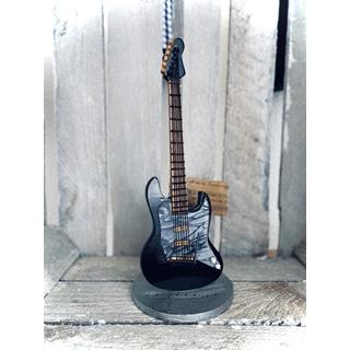 Besondere Geschenkideen aus Uelzen: Handgemachte Gitarren-Skulptur (ca. 20cm)