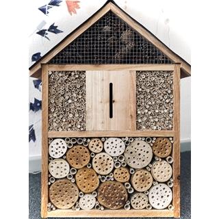 Besondere Geschenkideen aus Uelzen: Handgefertigtes Insektenhotel