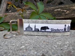 Besondere Geschenkideen aus Lüneburg: Schlüsselanhänger Skyline Lüneburg