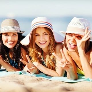 Besondere Geschenkideen aus Maintal: Gemeinsamer Sommerkurztrip mit Freunden