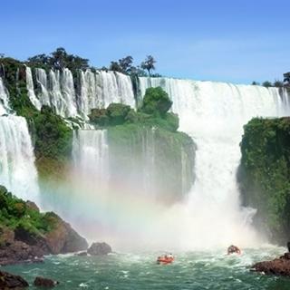 Besondere Geschenkideen aus Fürth: Reise zu den Iguaz�-Wasserfällen in Brasilien