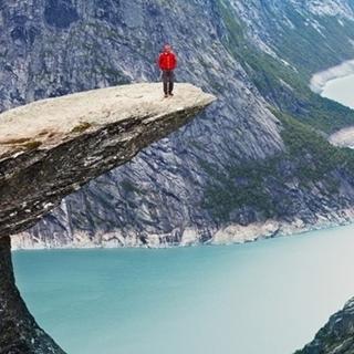 Besondere Geschenkideen aus Mendig: Reise zum Trolltunga in Norwegen