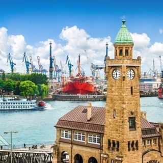 Besondere Geschenkideen aus Wuppertal: Städtetrip nach Hamburg