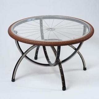 Besondere Geschenkideen aus Uelzen: Upcycling-Fahrrad-Beistelltisch