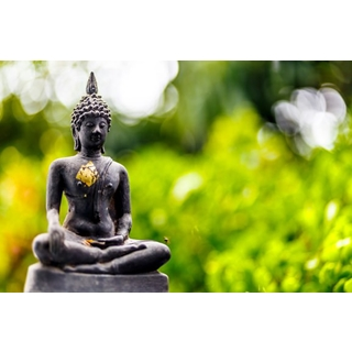 Besondere Geschenkideen aus Soltau: Buddha Gartenskulptur