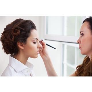Besondere Geschenkideen aus Wolfsburg: Professionelles Business-Make-Up