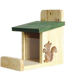 Besondere Geschenkideen aus der Region: Futterstation für Eichhörnchen