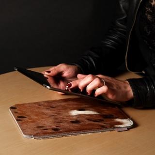 Besondere Geschenkideen aus Lüneburg: iPad-Hülle von Ackermann