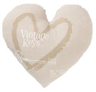 Besondere Geschenkideen in Ihrer Nähe: Kissen - Herz, Vintage, 45cm