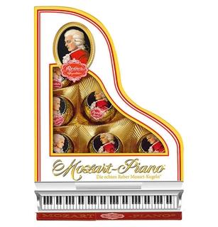 Geschenkideen aus der Region: Mozart-Kugeln in Geschenkverpackung