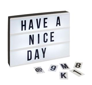 Besondere Geschenkideen in Ihrer Nähe: LED-Lichtbox mit auswechselbaren Buchstaben