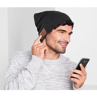 Besondere Geschenkideen aus Dresden: Beanie-Mütze mit Kopfhörern