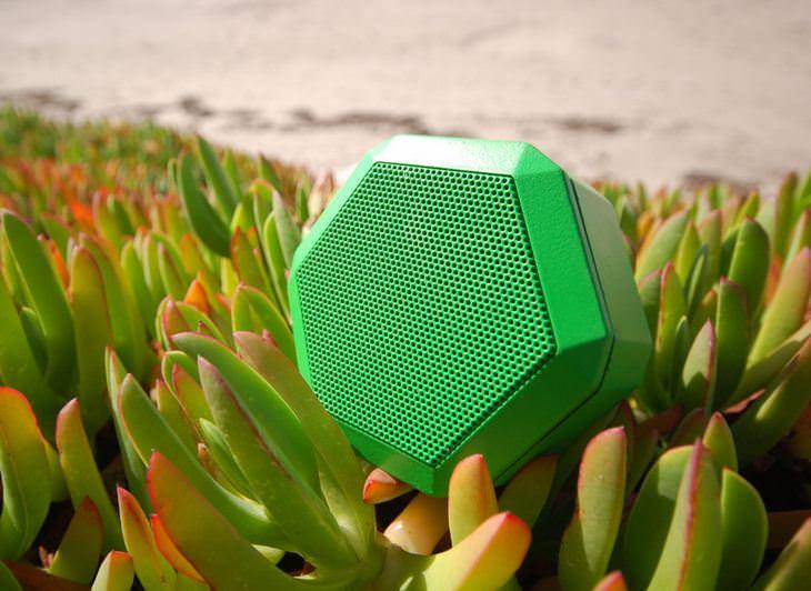 Hochwertiges Geschenk für Männer: Hochwertige Boombot REX Ultraportable Smart Bluetooth-Lautsprecher