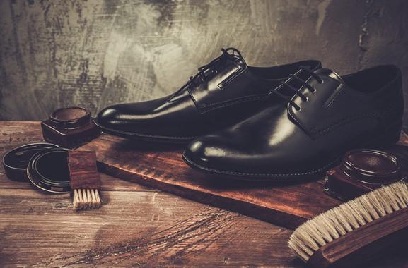 Besondere Geschenkideen aus Köln: Schuhpflege-Produkte