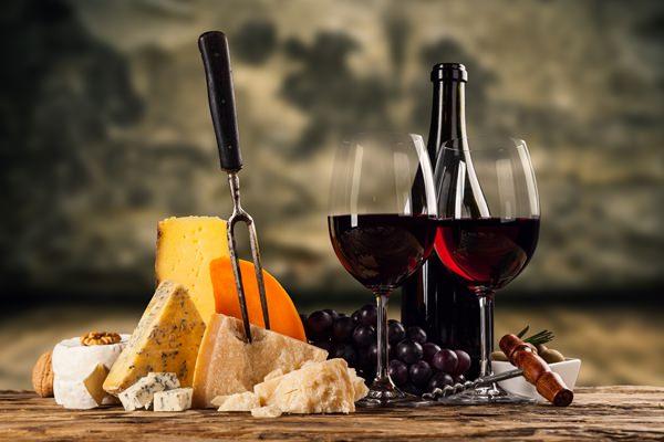 Geschmackvolle Geschenke für Männer und Frauen: Weintasting verschenken